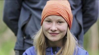 """13-åriga Brita är same och ska för första gången få märka sina renkalvar - i UR:s serie """"Andrea hälsar på"""". © Foto: Oskar Karlberg /UR Får endast användas i samband med denna serie. Proj.nr 650-102772"""